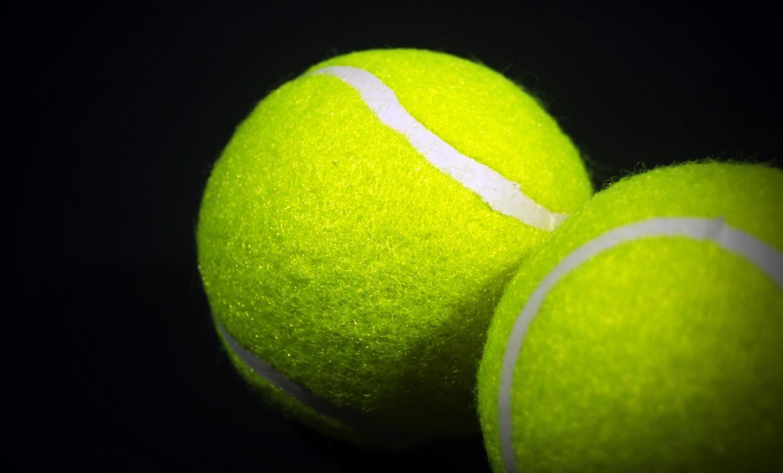 balls-close-up-tennis-226565.jpg